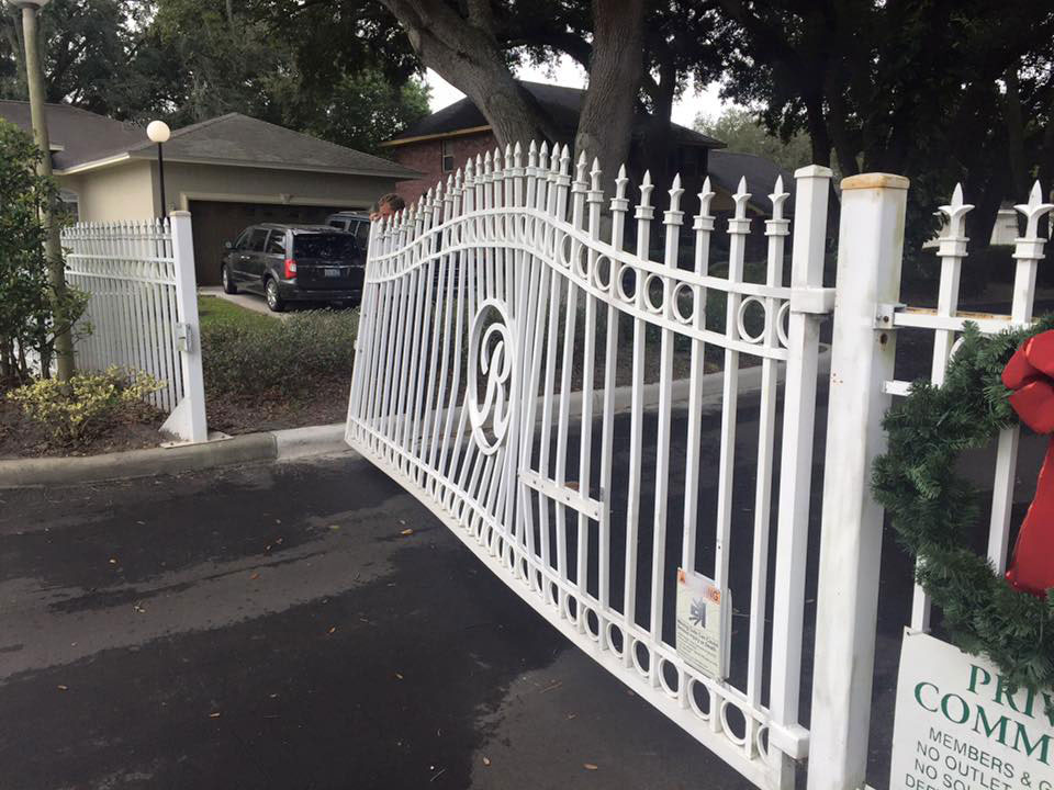 white-steel-gate-repaired-tampa
