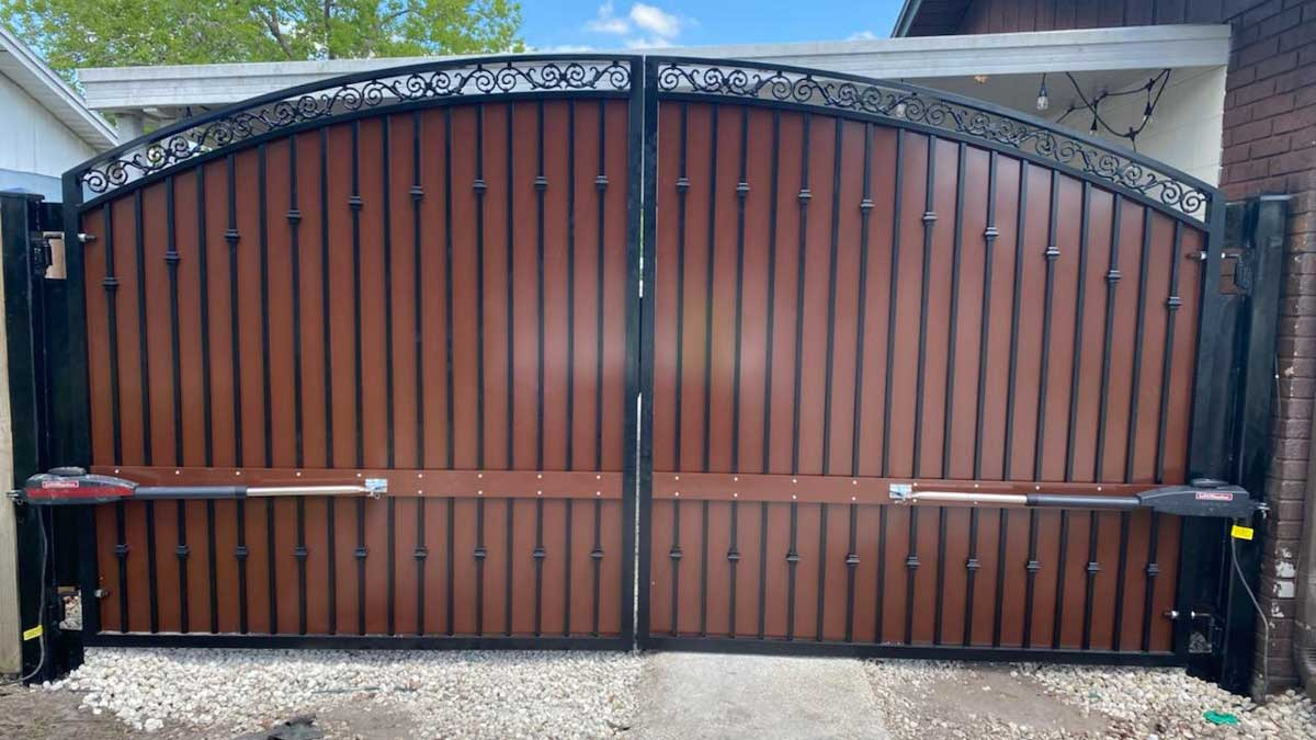 custom gate installation in oldsmar tampa fl